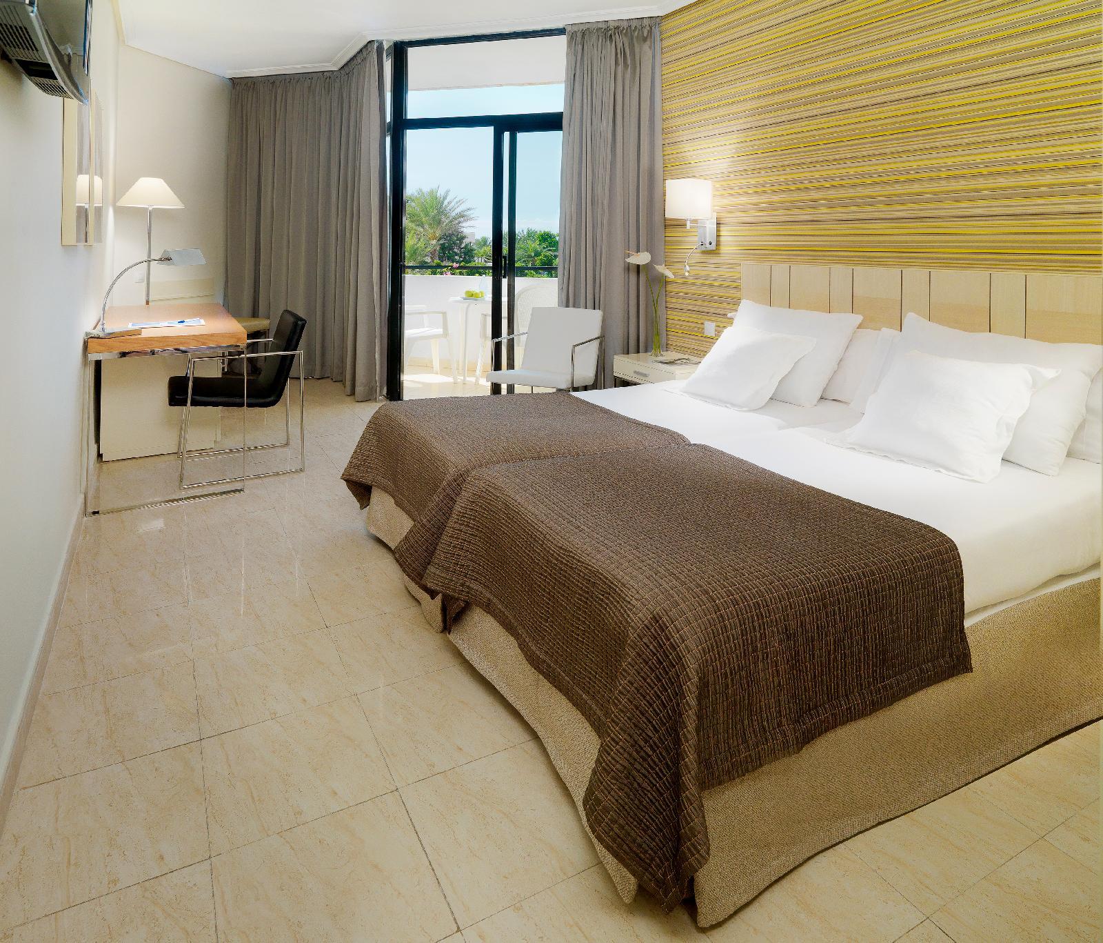 offerte di viaggi a playa las americas da 283. Black Bedroom Furniture Sets. Home Design Ideas