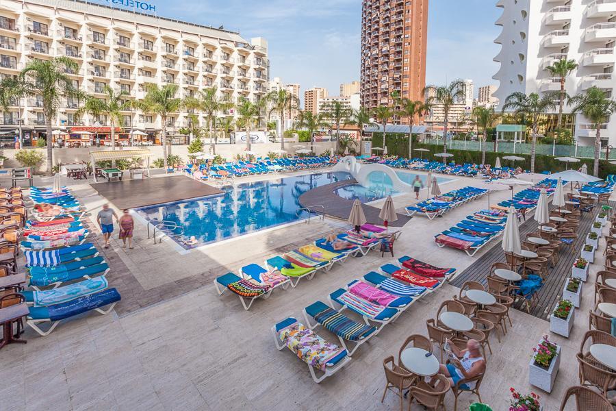 Hotel rosamar em benidorm costa branca for Hoteles en benidorm con piscina climatizada