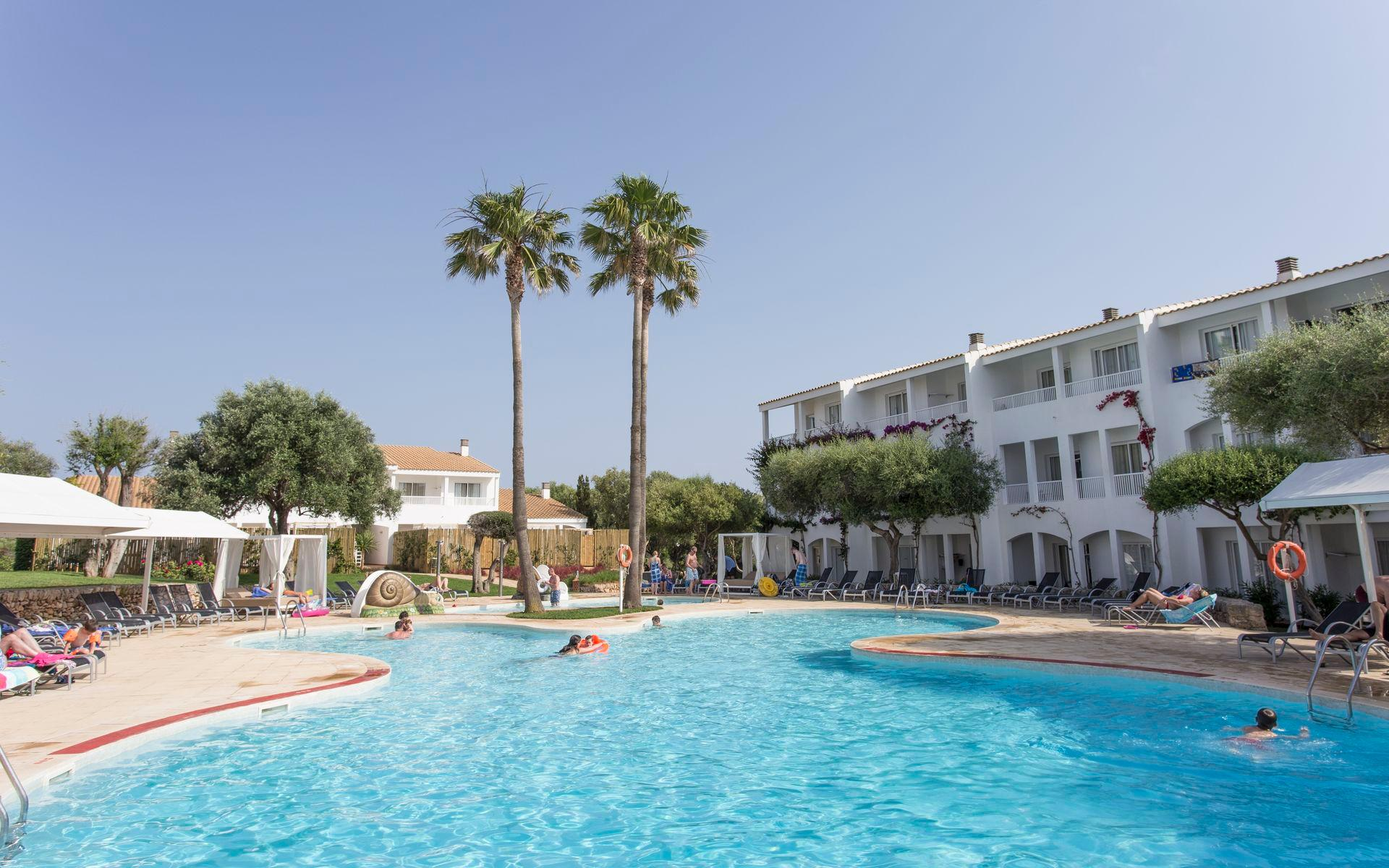Prinsotel la caleta en ciutadella ciudadela menorca for Toallas piscina