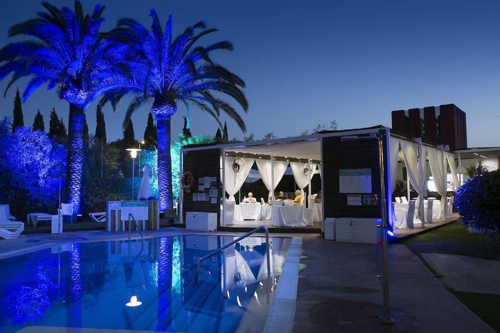 Ofertas fines de semana en sevilla ofertas de escapadas for Gimnasio piscina sevilla