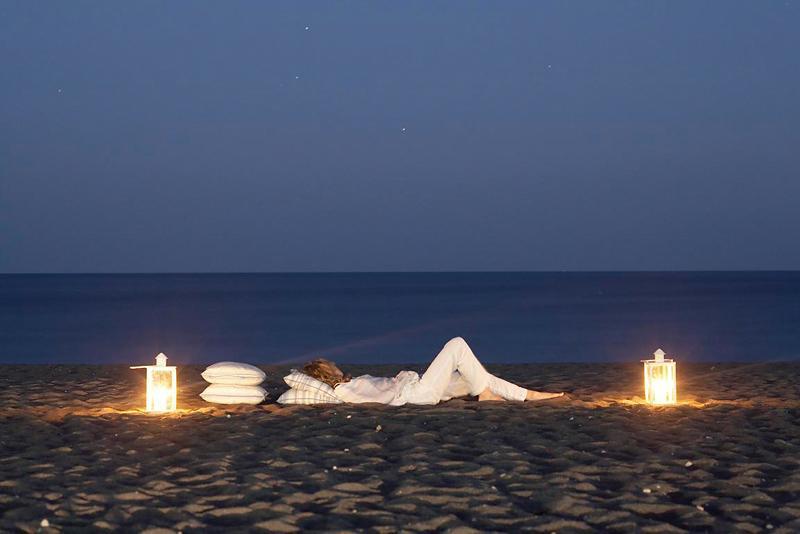 Anemos Beach Lounge Perissa à Partir