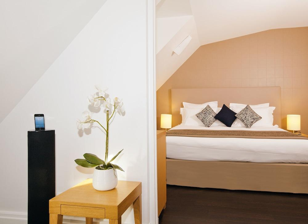 Residhome appart hotel paris op ra paris logitravel for Residhome appart hotel
