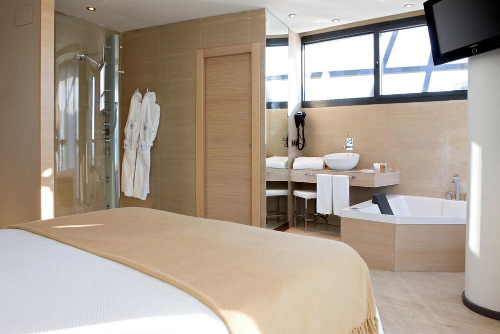 mejor sala de masaje disfraz cerca de Gijón