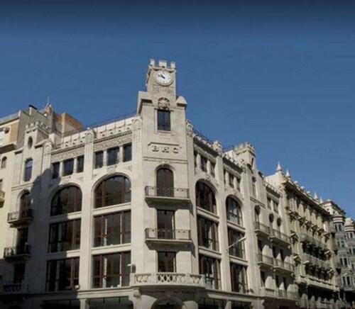 ofertas de viajes a barcelona desde 183. Black Bedroom Furniture Sets. Home Design Ideas