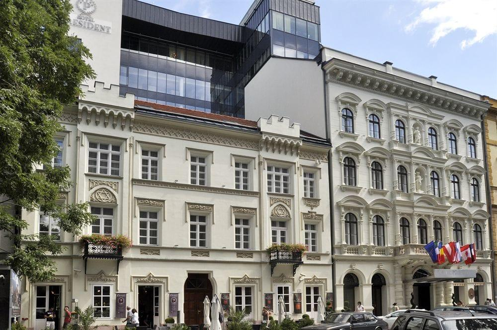 Hotel President Budapest Parking