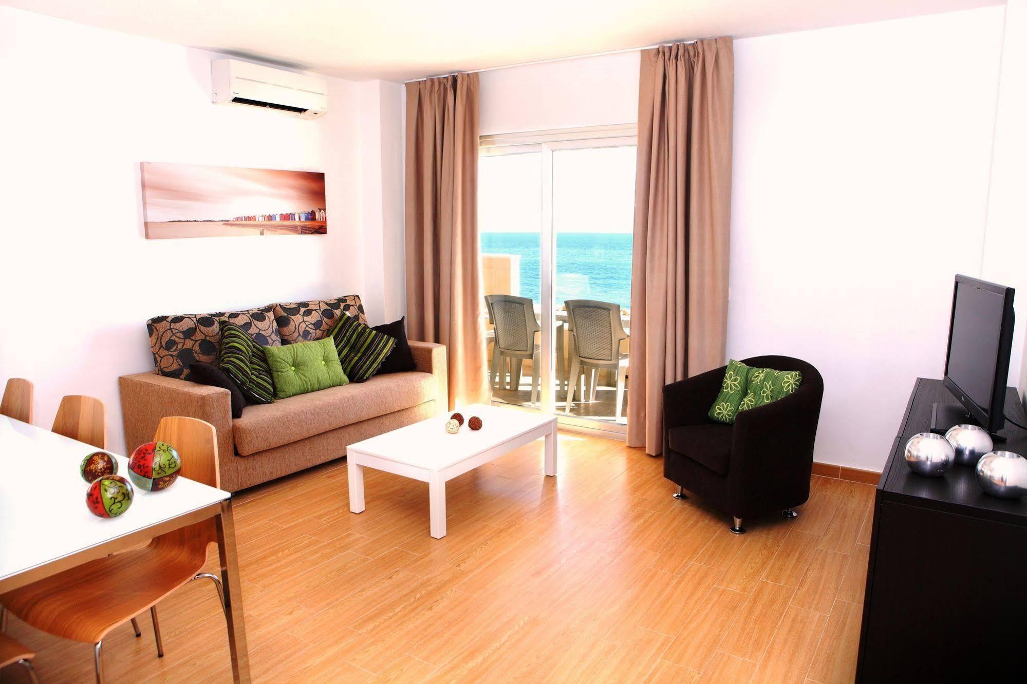 Apartamentos vega sol playa en fuengirola costa del sol - Cortinas fuengirola ...