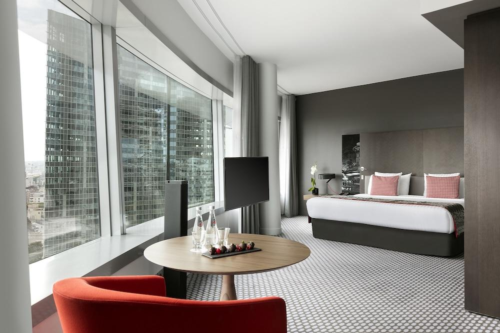 ofertas fin de semana en courbevoie ofertas de escapadas. Black Bedroom Furniture Sets. Home Design Ideas