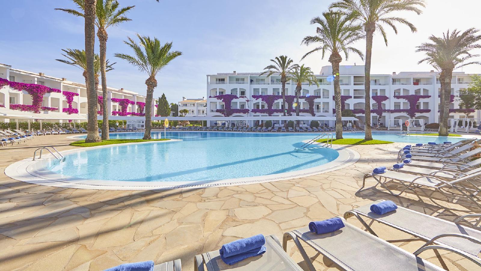Prinsotel la caleta hotel y apartamentos en cala blanca for Toallas piscina